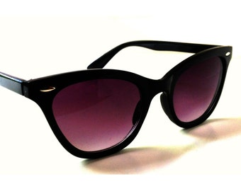 Black Cat Eye Sunglasses,  Wayfarer Sunglasses, Clubmasters, Cateye Glasses, Rockabilly, Deadstock, Retro, Horn Rim Cateyes