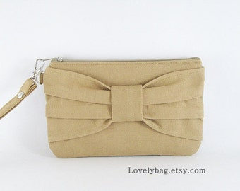 SUPER SALE - Tan Bow Clutch - iPhone 5 Wallet, iPhone 5 Wristlet, Cell Phone Wristlet, Camera Bag, Cosmetic Bag,Zipper Pouch - Made To Order