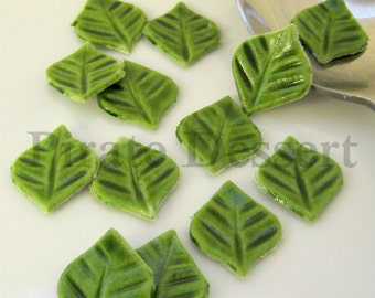 Sugar Leaves - Green Cupcake size Fondant Leaves (6mm long)- Edible cake decorations- Cupcake toppers- Candy leaves (12 pieces)
