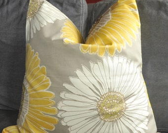 Pillow Cover, Decorative Pillow, Throw Pillow, Toss Pillow, Yellow Daisy, White Daisy, Chrysanthemums,  Home Furnishing, Home Decor