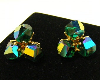 Vintage SIGNED Vogue JLRY Emerald AB Clip Earrings