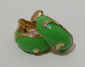 Vintage SIGNED Marvella Bright Green Clip Earrings