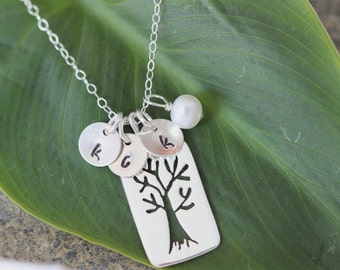 SALE Sterling  Silver Tree Neckalce with Initials - Tree of Life - Family Name NecklACE, Family  Tree Necklace, Family Tree, sister, friend