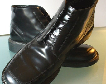 Kenneth Cole Reaction Made in Italy Short Black Boots Size 10.5M