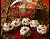 Charmed Confections Christmas Cupcake Ornies / Ornaments -- FAAP HAFFAIR
