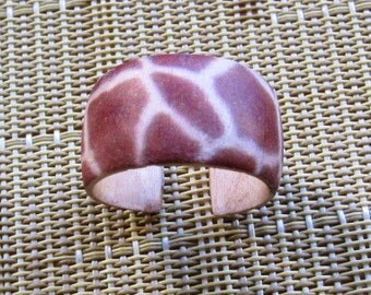 Giraffe -- Adjustable Wood Ring