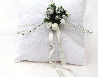 Wedding Ringbearer's Pillows  / 4 Styles / Listing for 1 / Bridal / Women