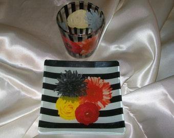 Beautiful dish and small glass for your own tea party and snack. The colors make you happy.