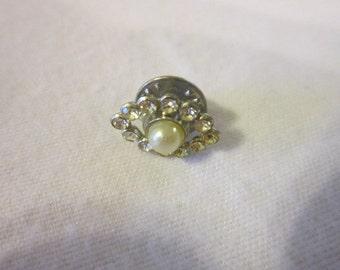Vintage Petite Faux Pearl & Rhinestone Pin