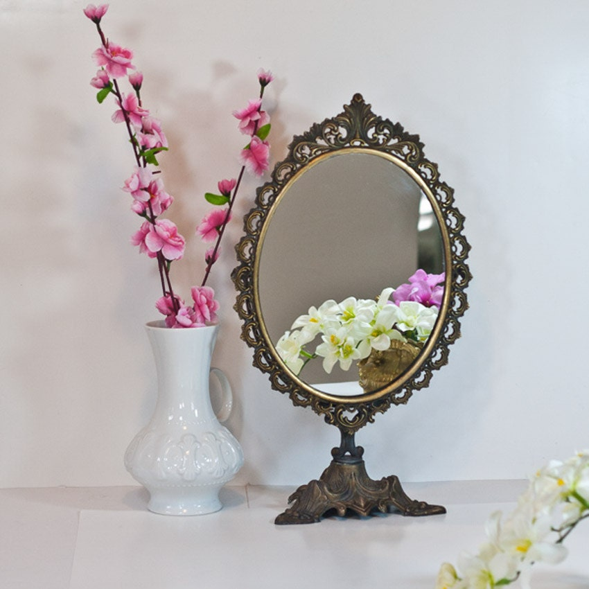 table mirror makeup mirror on stand vintage victorian brass. Black Bedroom Furniture Sets. Home Design Ideas