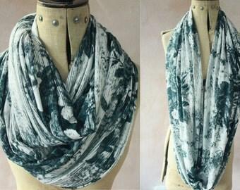 Eternity scarf - Infinity scarf, Circle scarf, Jersey scarf, Tube scarf, Loop scarf, Snood, T-Shirt scarf -  GryWht Print