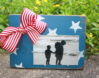 Red, White, and Blue Distressed Picture Frame