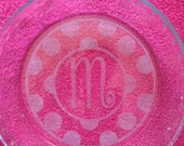 Totally custom etched pie plate. Monogrammed with single initial. Perfect gift for brides, housewarming