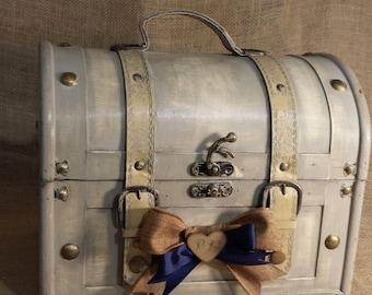 Wedding Card Trunk , Wedding Card Holder, Personalized Wedding Trunk, Vintage Wedding, Shabby Chic Wedding Décor. FREE SHIPPING!
