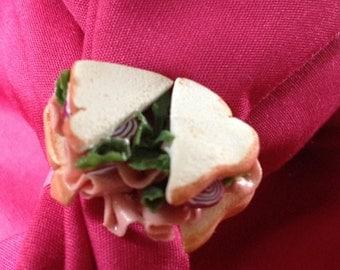 Turkey Sandwich on White Ring
