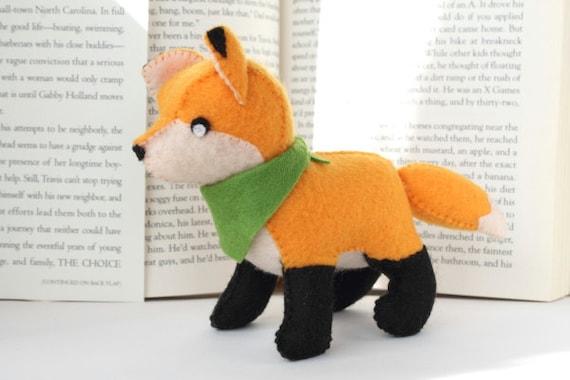 Pattern: Felt Fox Plush by typingwithtea on Etsy