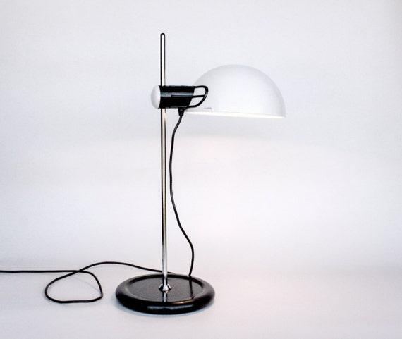 Iguzzini lampe de bureau lampe de table guzzini classique - Lampe de table classique ...