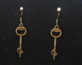 Dangle Bronze Skeleton Key Cat Earrings