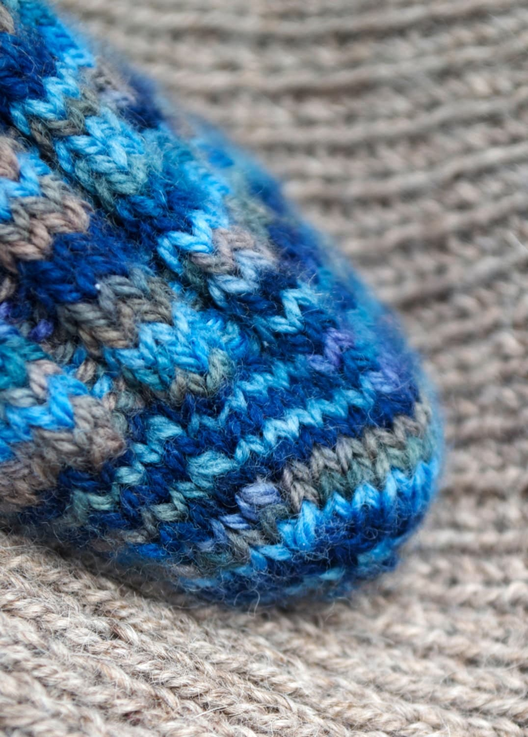 Pattern - Jean's Socks to Knit: four sizes!