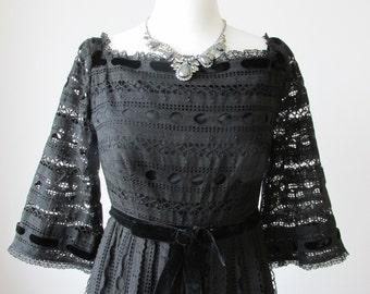 50s  VINTAGE evening dress BELINDA BELLVILLE designer long black Broderie Anglaise velvet ribbon gown size xs s square neck couture dress