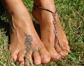 SINGLE OR PAIR Macrame Barefoot Sandal, Anklet toe ring, Spiral Calabash Charms anklet, foot thongs, foot jewelry, boho beach sandals