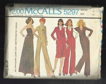1976 McCalls 5297 Wide Lapel Notched Collar Blazer Vest Pants Camisole and Skirts Size 16