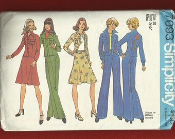 1975 Simplicity 7093 Flared Skirt with Flap Pocket at the Waistband  Zipper Front Size 10 UNCUT