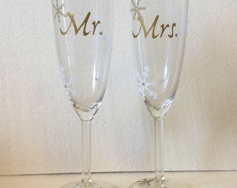 DIY Mr. and Mrs. and Snowflakes Vinyl Decals Make Your Own Winter Wedding Glasses
