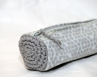 Pencil case crochet and geometric fabric pouch grey white FREE SHIPPING Make-up Cosmetic Cosmetics Purse Pouch Zippered
