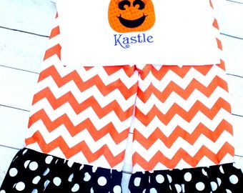 Halloween outfit Halloween ruffle pant putfit princess pumpkin outfit pumpkin clothing Halloween Chevron outfit for girls toddlers halloween
