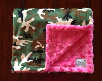 Camo  with Hot pink backing