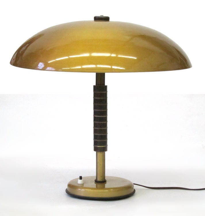 Large sixties vintage table lamp gold metalic colour for Eames lampe