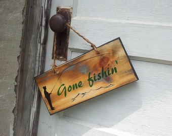 """Wooden """"Gone fishing"""" Sign"""