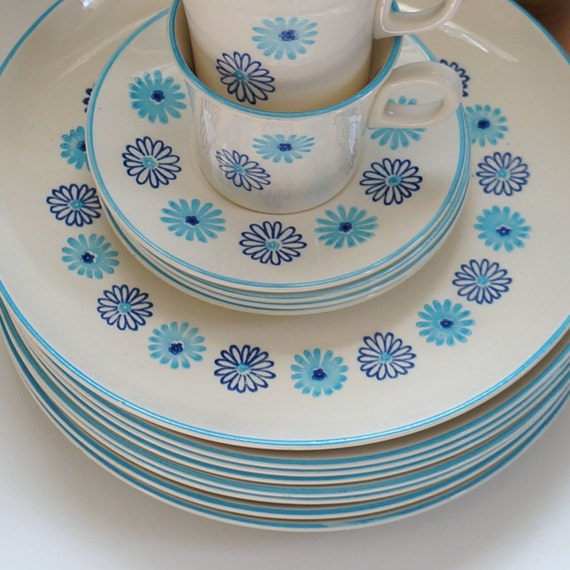 1950s Dishes: Stetson Dinnerware 1950s Atomic Mid Century / 8 Dinner Plates
