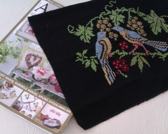 Embroidered Wall Decor,Blue Birds