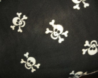 White Skulls on Black Fleece Blanket Perfect f  Choose from Sewn or Tied Size 60in x 44in.