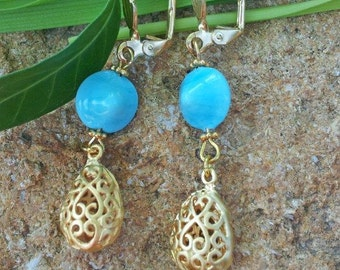 Earring with blue Venetian glass beads and hanging droplets - a romantic gift - ready to ship.