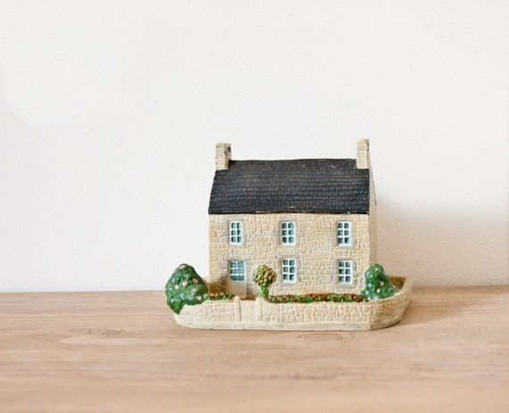 Miniature french white stone house - Vintage traditionnal french little house - architectural model collectable miniature train