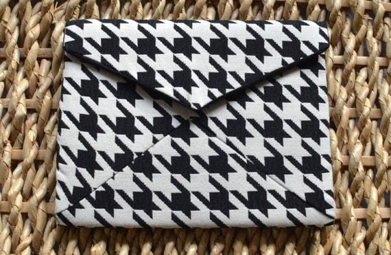 Black & White Dogtooth Jacquard 'Charlotte' Clutch Bag