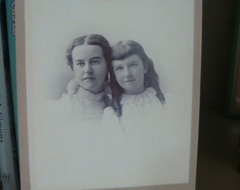 Antique Pretty Charming Sisters Cabinet Photo CDV  Edwardian White Lace Dresses