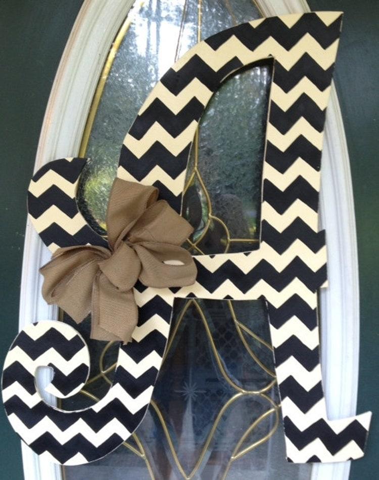 curly chevron letter monogram door hanger by elliebelliesdesigns. Black Bedroom Furniture Sets. Home Design Ideas