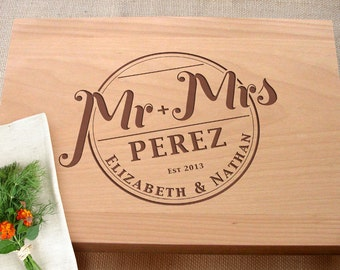 Mr and Mrs Custom Cutting Board Bridal Shower Wedding Present Personalized Kitchen Chopping Board Wedding Gifts For The Couple