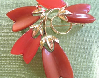 Lisner Lucite Thermoset Vintage Flower Brooch