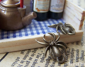 10 pcs of Antique Bronze Spider Insects Charms 14x17.5mm A604