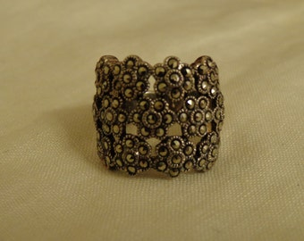 Wide band sterling silver and marcasite ring