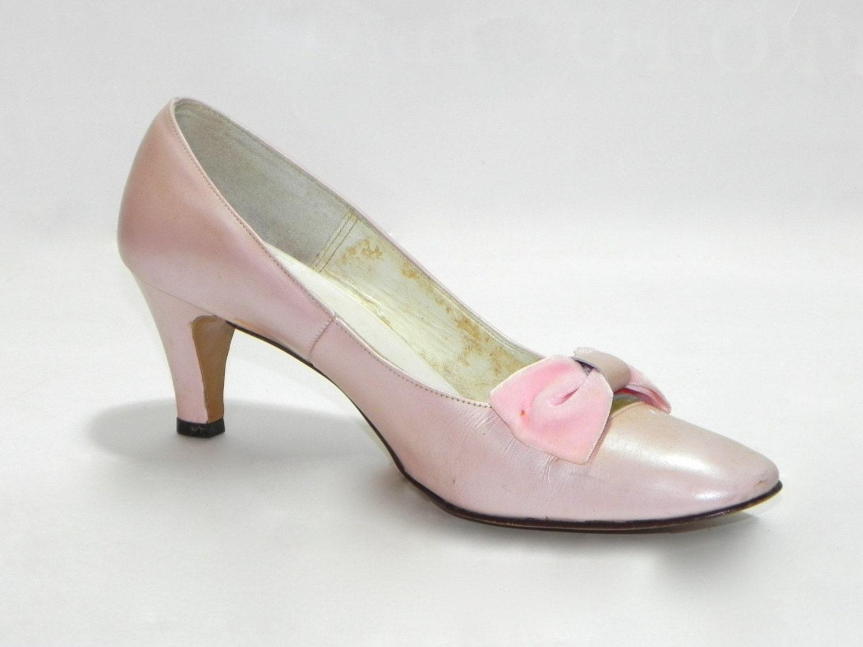 vintage 1950s heiress pink shoes kitten heel pumps with