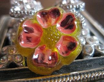 Dogwood Blossom in Citrus Czech Glass Shankless Button 20mm