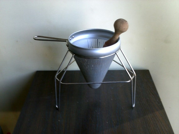 Colander with Stand and Masher