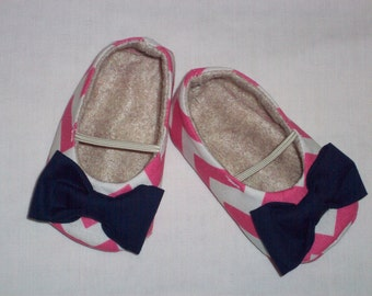 LILY baby girl shoes.  Pink Chevron. Navy Bow