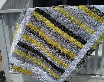 Bright Sunshiny Day Crib Quilt